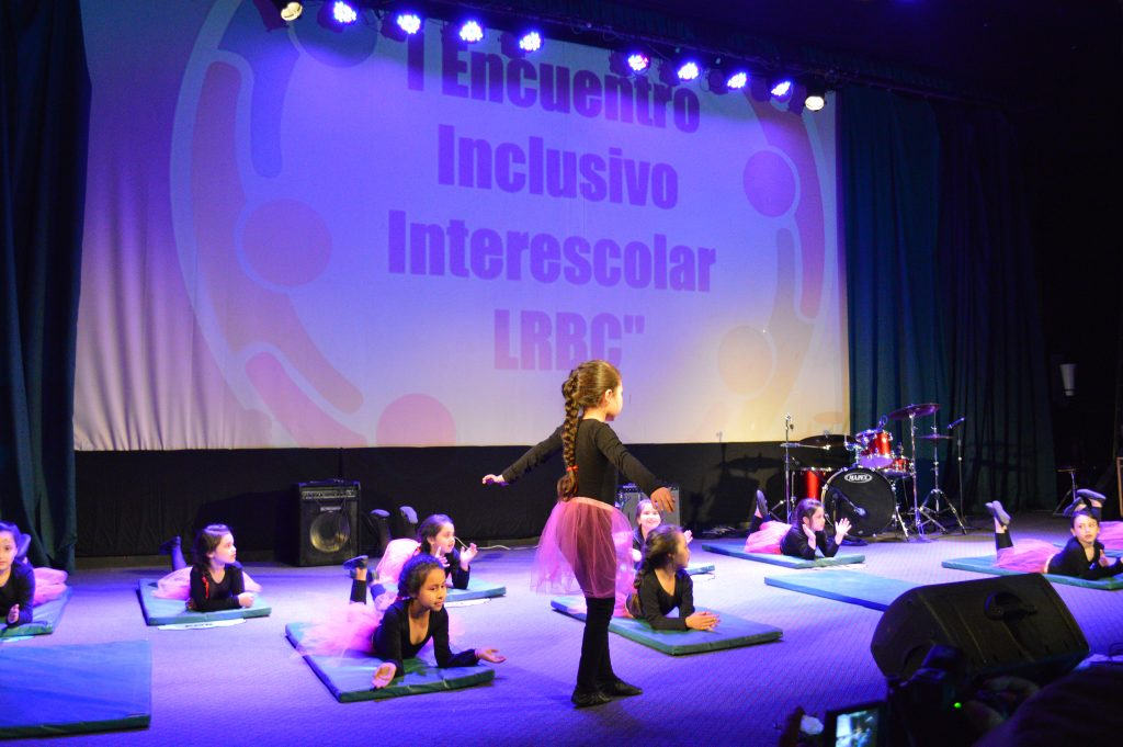 Liceo Raul Broussain Campino realizó primer encuentro inclusivo de la comuna