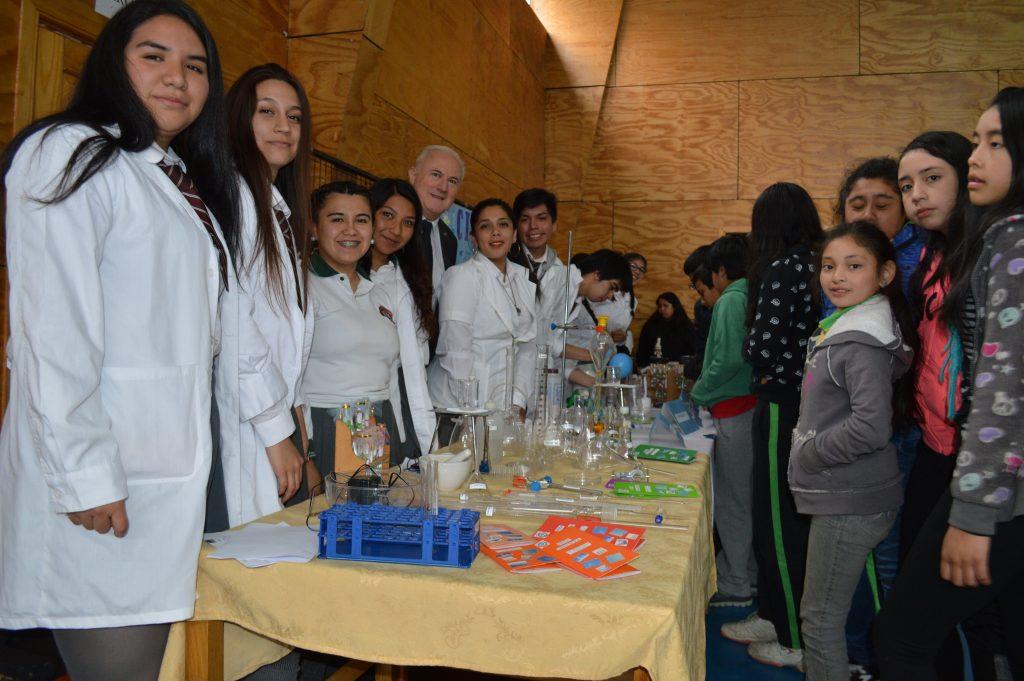 Liceo Raúl Broussain Campino presenta a la comunidad muestra de Ciencias, Artes, Letras y Tecnología