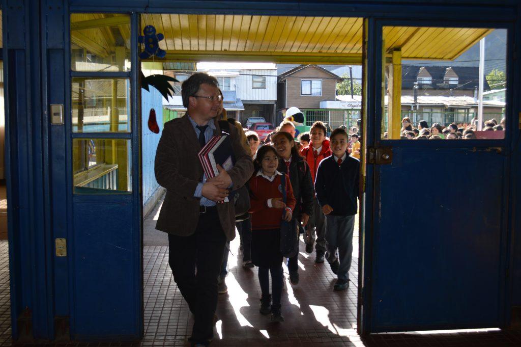Escuela Ribera Sur acoge a comunidad educativa del colegio Sinaí para que finalicen año escolar