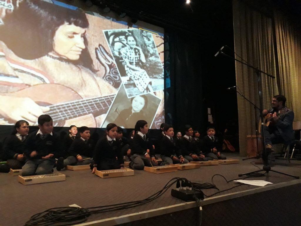 Escuela Litoral Austral convoca a su unidad educativa a través de la música