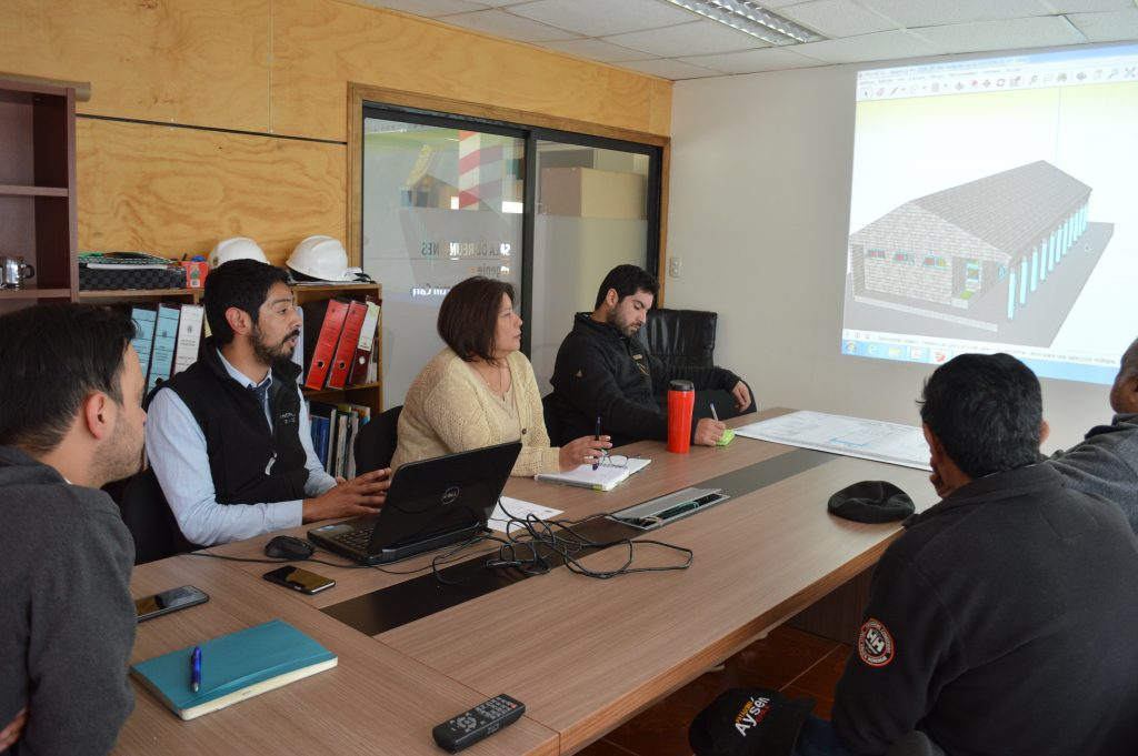 Secplan presenta diseño de sede social a Agrupación cultural de raíces de chilotas