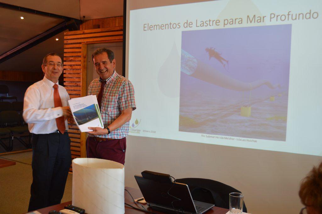 Ingeniero francés- español entrega a Municipalidad de Aysén estudios para dar solución definitiva a problemática de agua potable en Islas Huichas