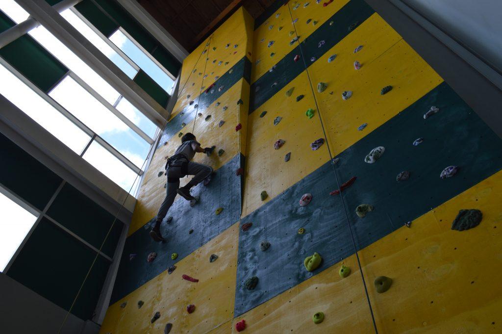 Polideportivo 21 de Abril lanza taller de escalada