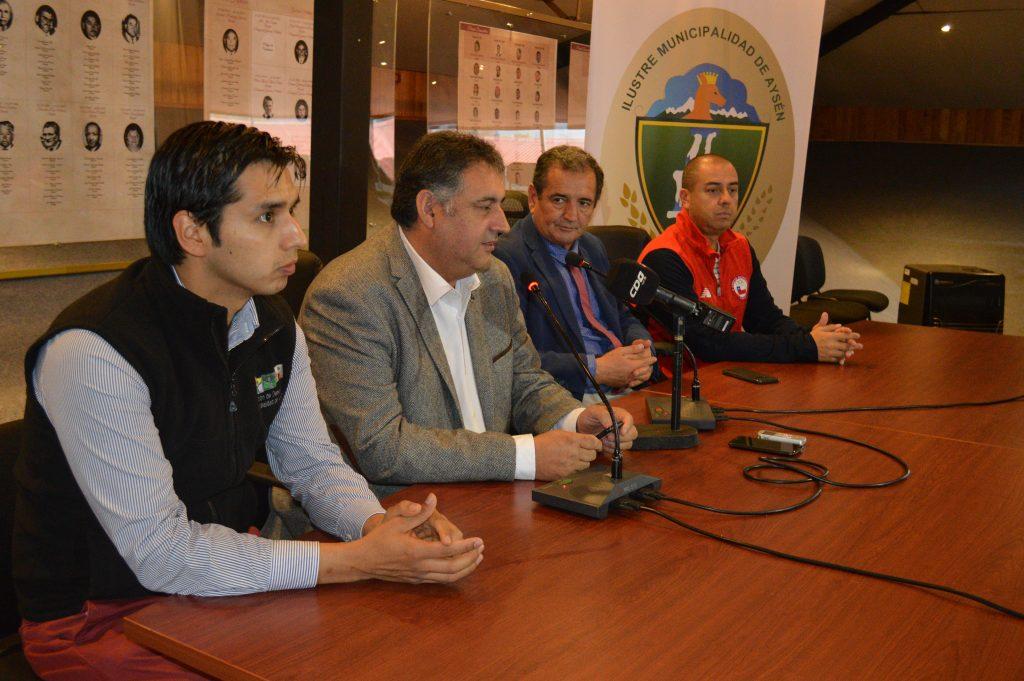 Federación nacional de básquetbol visita Puerto Aysén  para conocer las instalaciones del próximo sudamericano