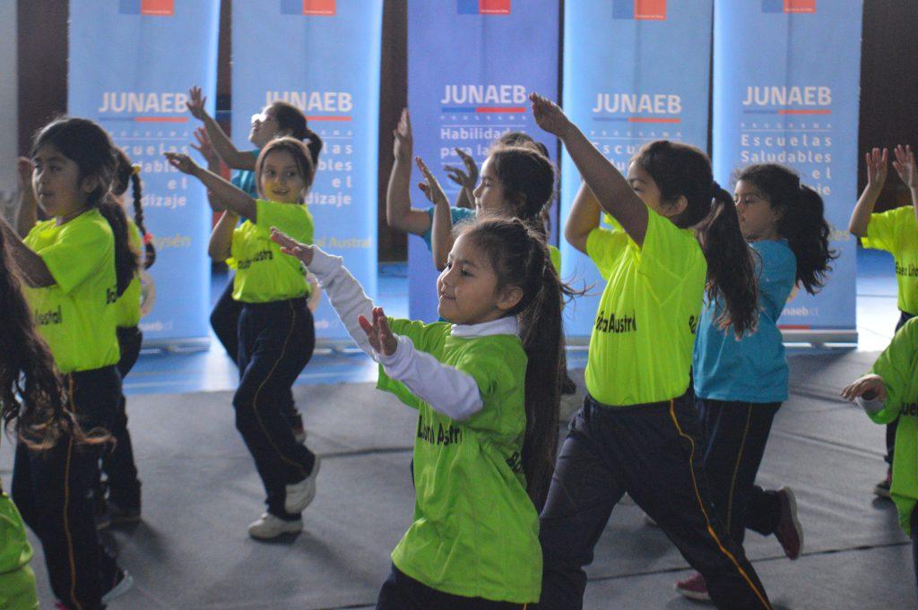 Municipalidad de Aysén y Junaeb lanzaron programas Habilidades Para la Vida, Escuelas Saludables Para el Aprendizaje y Salud Oral 2018