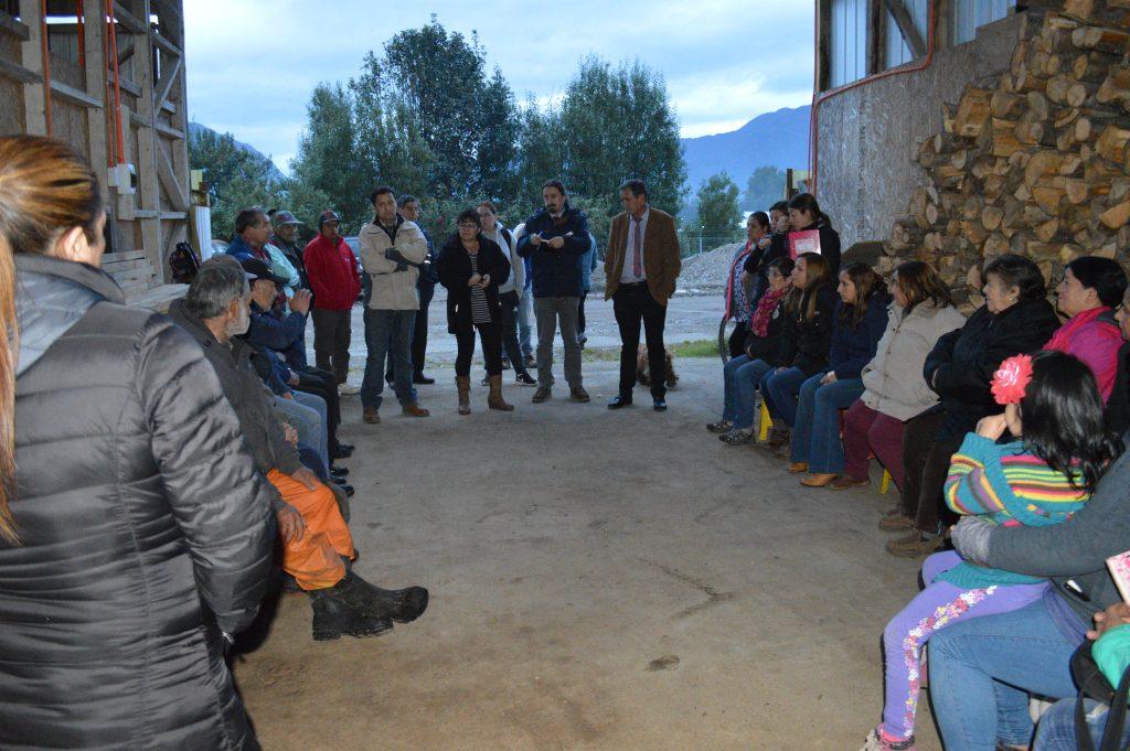 Alcalde Catalán atiende demandas de vecinos del sector Camino Viejo