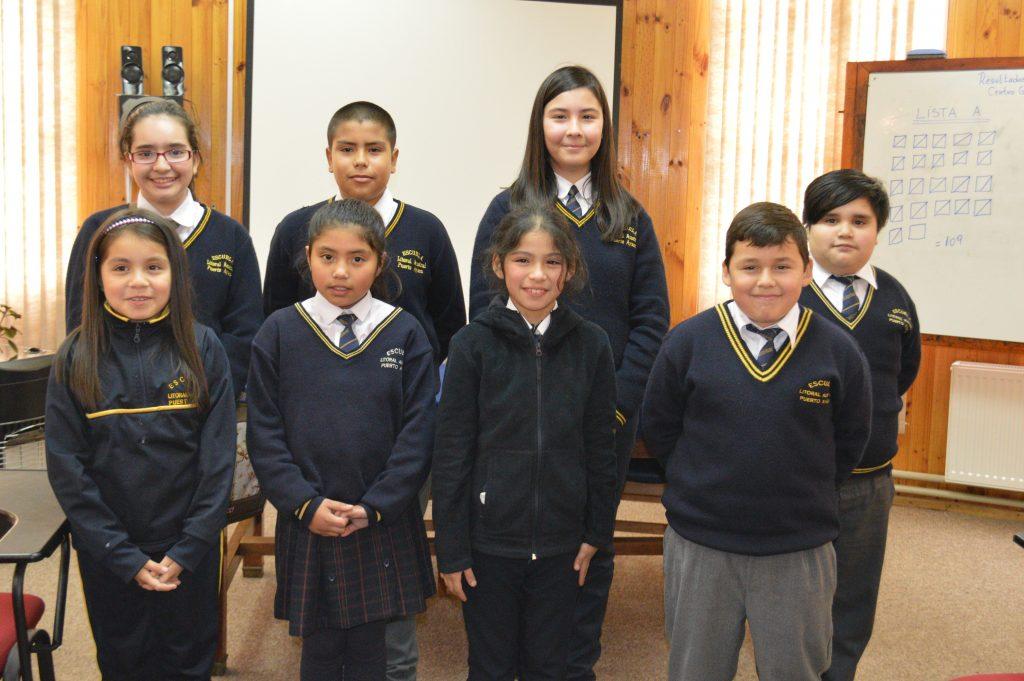 Estudiantes Escuela Litoral Austral promueven educación cívica  mediante elecciones de Centro de Alumnos