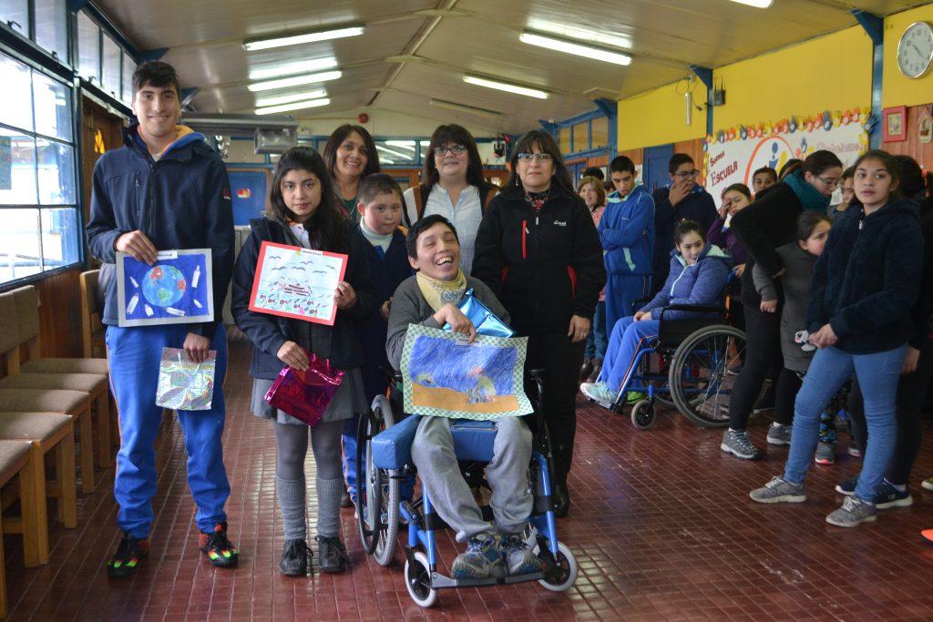 Alumna de escuela Despertar diseñó logo de bolsa ecológica que se distribuirá en comuna de Aysén