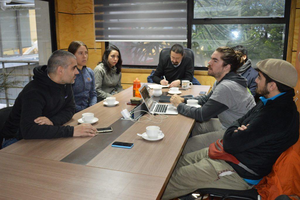 Municipalidad de Aysén y equipo de ONG Sin Huella evalúan sendero definitivo a cumbre de Cerro Cordón