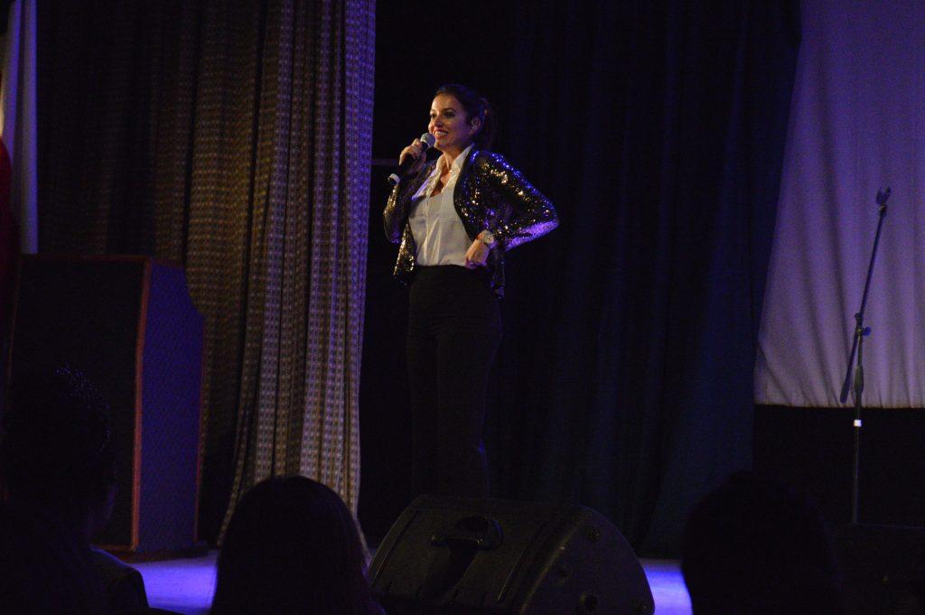 Yamila Reyna fue parte del show para celebrar a las madres de la comuna de Aysén