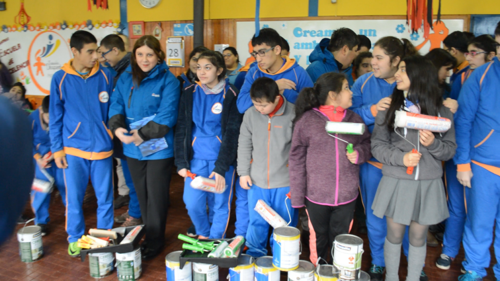 Empresa Blumar realiza importante donativo a escuela Despertar