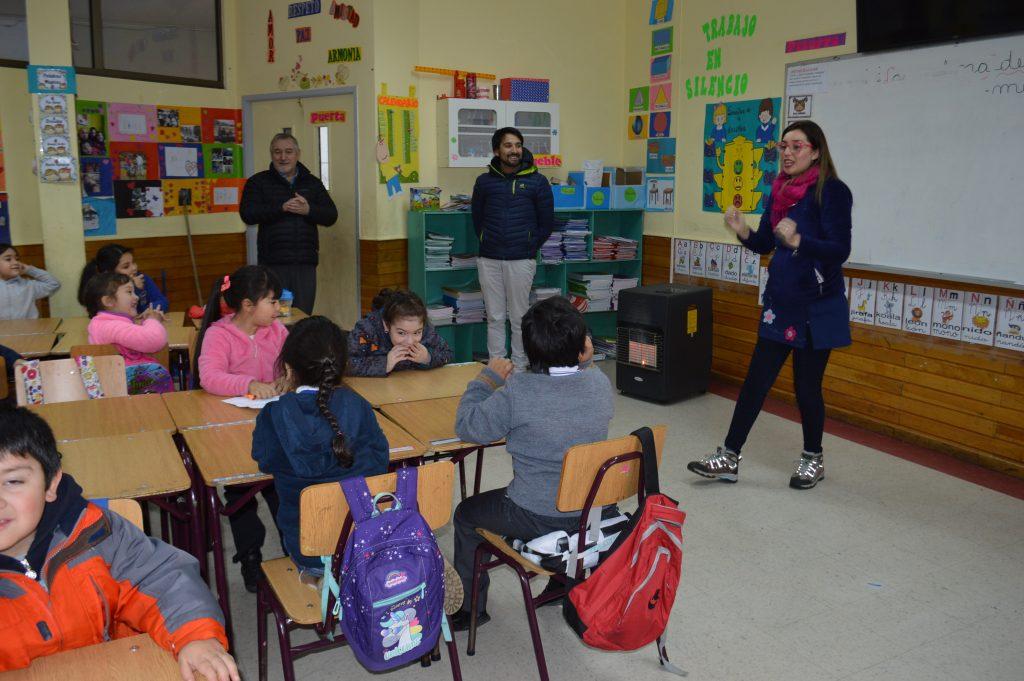 Dirección de Educación Municipal solucionó deficiencias en sistema de calefacción de escuela Almirante Simpson de Puerto Chacabuco