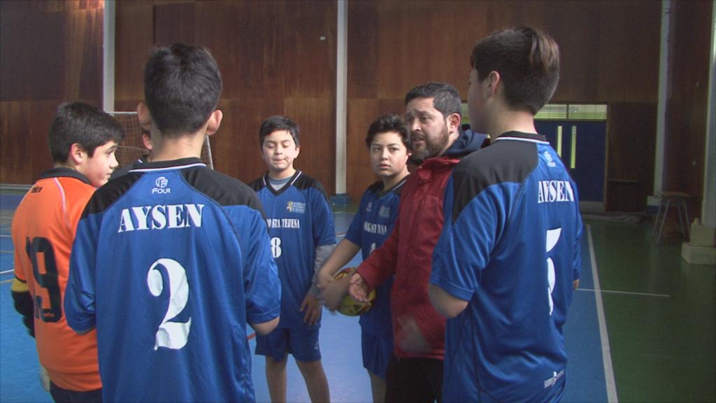 15 equipos se enfrentan en Campeonato Comunal Escolar de Futsal