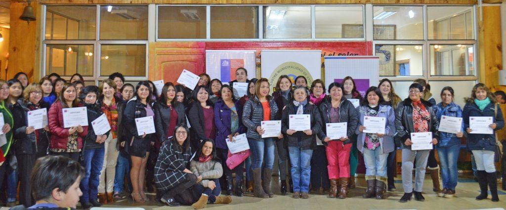 Cerca de 80 mujeres fueron certificadas en Ceremonia de Bienvenida y Lanzamiento del Programa Mujeres Jefas de Hogar organizada por SernamEG y la Municipalidad de Aysén