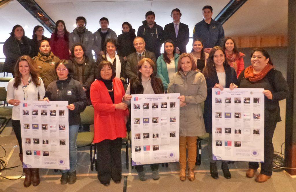 Mesa Comunal Intersectorial de Prevención en Violencias contra las Mujeres en Puerto Aysén lanza afiche sobre oferta programática