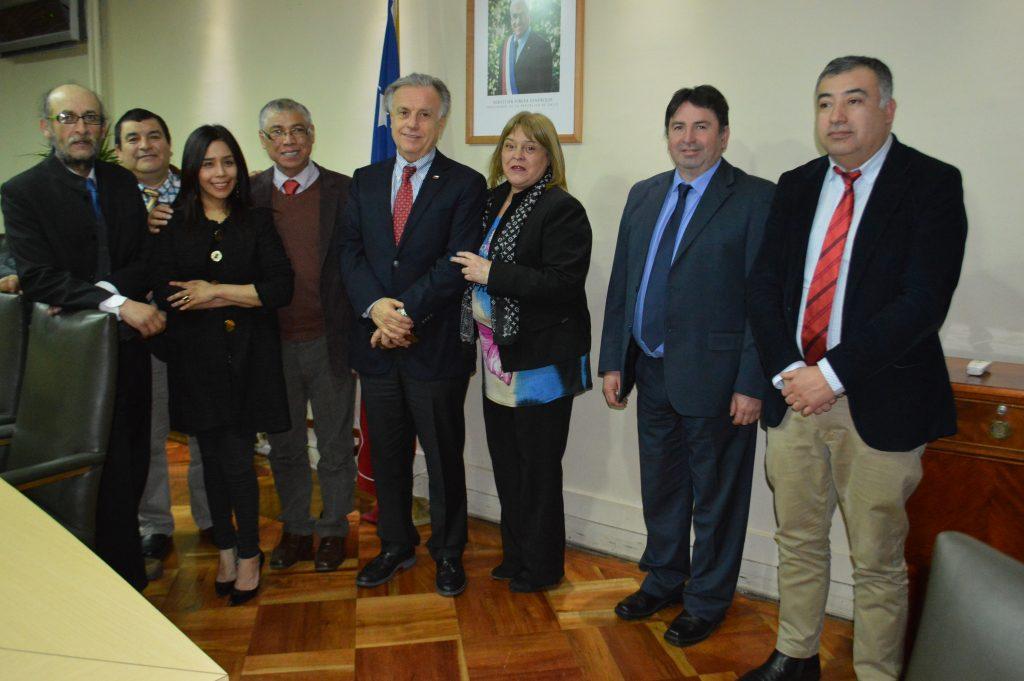 Ministro de Salud conoce demandas de la comuna de Aysén por parte de Concejo Municipal