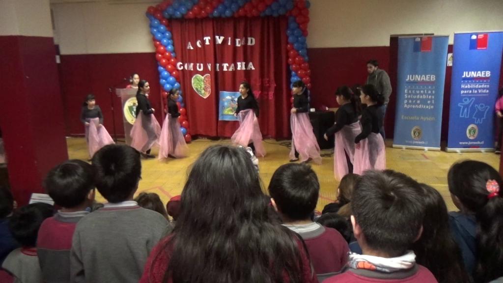 Escuela Aysén desarrolla actividad comunitaria para fomentar la vida saludable
