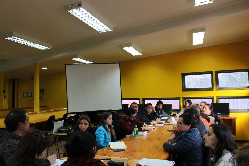 Dirigentes de Villa Mañihuales se reúnen con representantes de la Municipalidad de Aysén