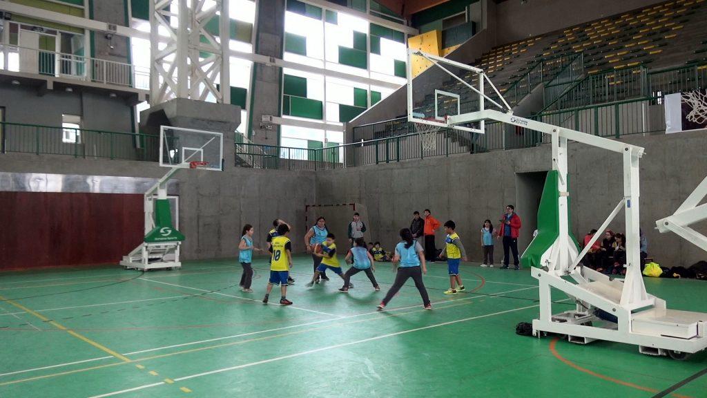 Con participación de ocho establecimientos educacionales partió Liga de Básquetbol de la comuna de Aysén