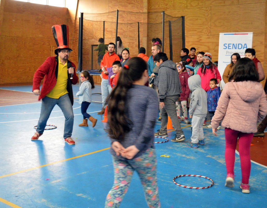 Municipalidad de Aysén y equipo Senda Previene celebró Día del Niño con actividad familiar