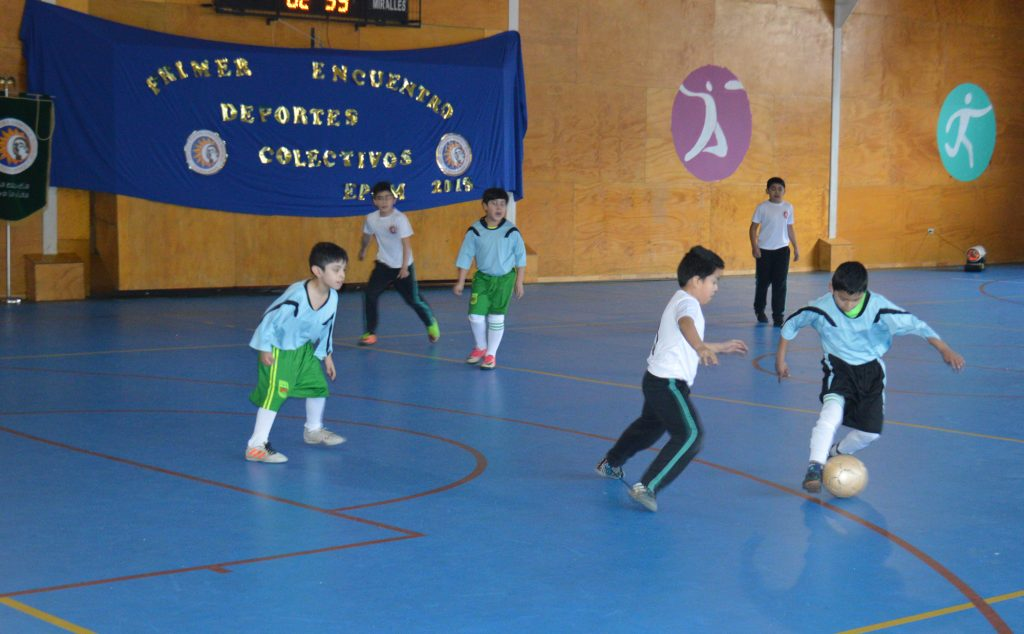 Escuela poetisa Gabriela Mistral realiza 1° Encuentro de Deportes Colectivos
