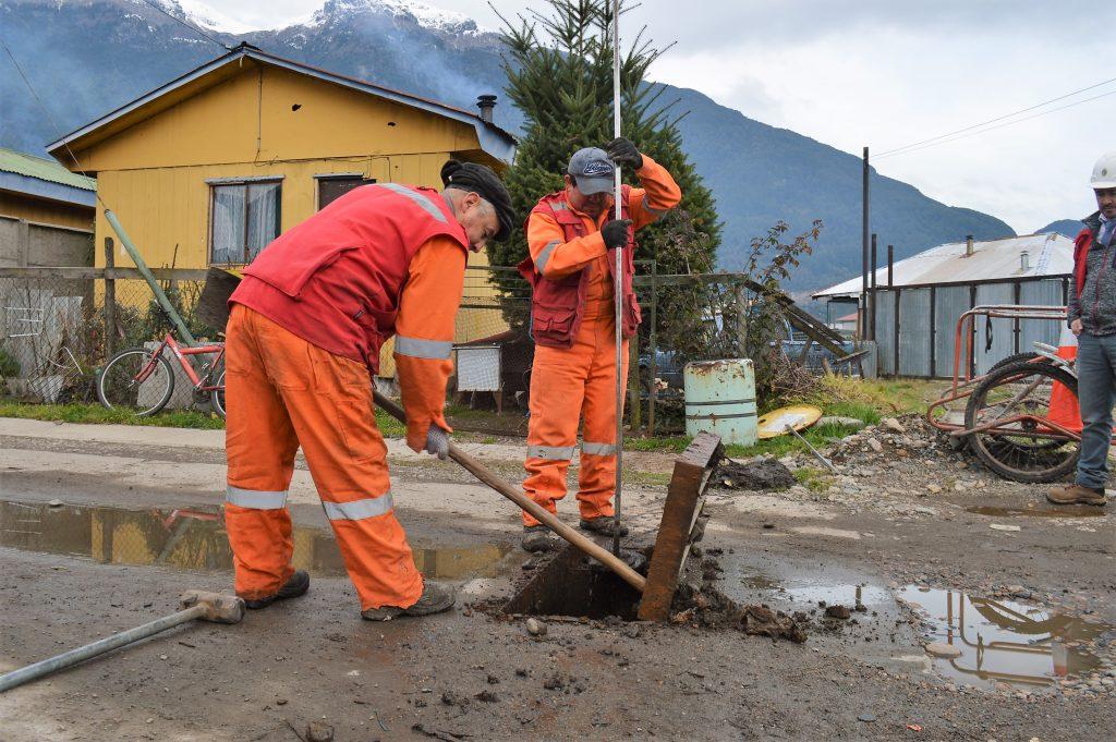 Finaliza operativo de limpieza de aceras y sumideros en Puerto Aysén