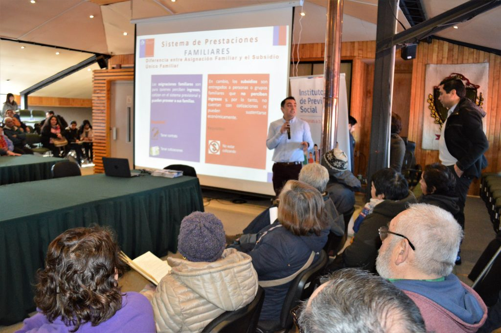80 familias participaron de taller comunitario realizado por Municipalidad de Aysén y FOSIS