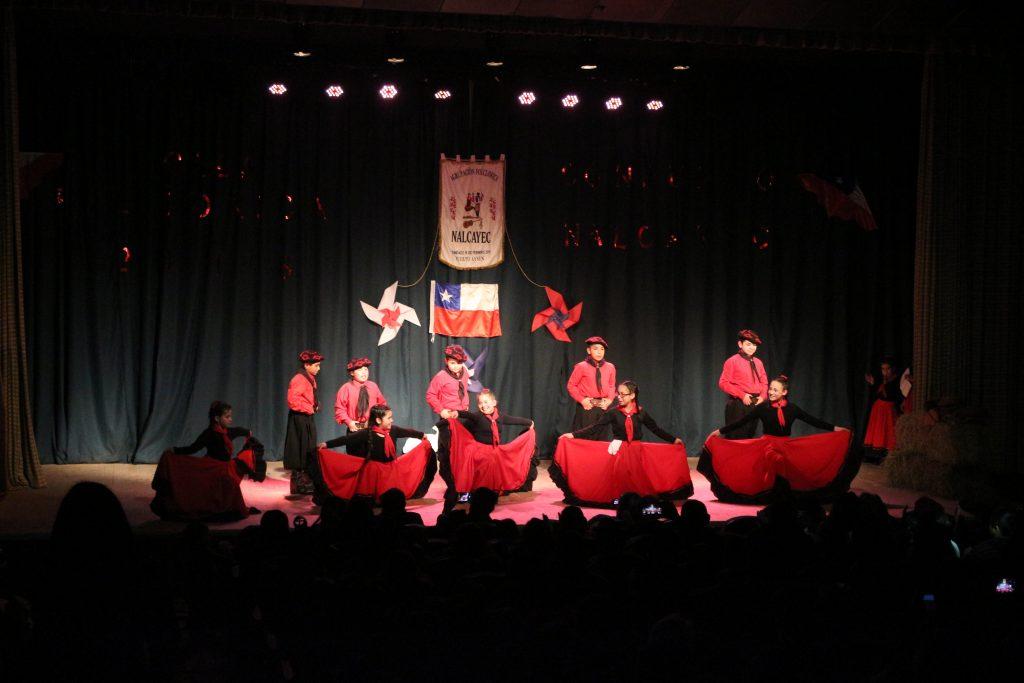 """Con galas artísticas finalizó el """"Mes de la Chilenidad"""" en la comuna de Aysén"""