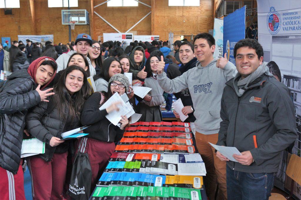 Estudiantes participaron de la 10° Feria de Educación Superior de Puerto Aysén