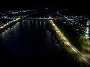 Inauguran 92 luminarias peatonales en Costanera Ribera Sur en Puerto Aysén