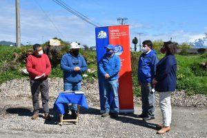 Coordinación entre vecinos y el municipio permitirá mejorar eje vehicular en Aysén con fondos Minvu