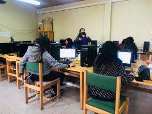 Realizan capacitaciones a mujeres de Aysén para mejorar sus opciones de empleo