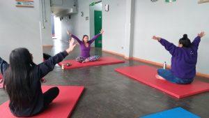 Desarrollan Talleres de Yoga para estudiantes de establecimientos municipales de Aysén
