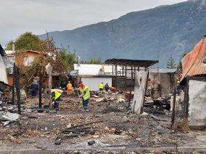 Municipio presta colaboración con familias afectadas por incendio en Puerto Aysén