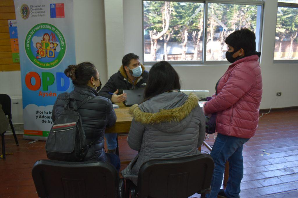 Dideco en tu Barrio sigue consolidando adhesión vecinal tras exitosa jornada en Villa Mañihuales