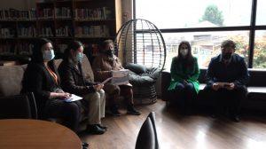 Personas mayores de la comuna de Aysén reciben equipos de conectividad de la Fundación Conecta Mayor